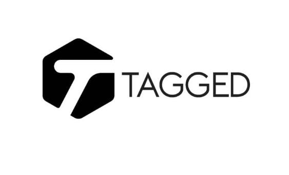 Tagged com login in